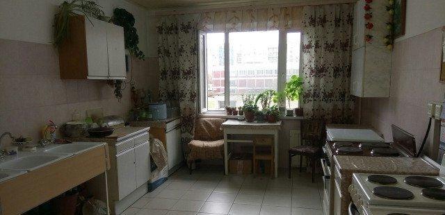 Сдатся  хорошая  комната в общежитии блочного типа.